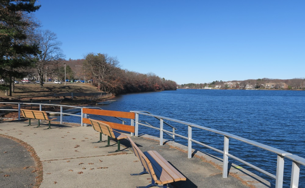 Lake Quinsigamond, a common host site of rowing re