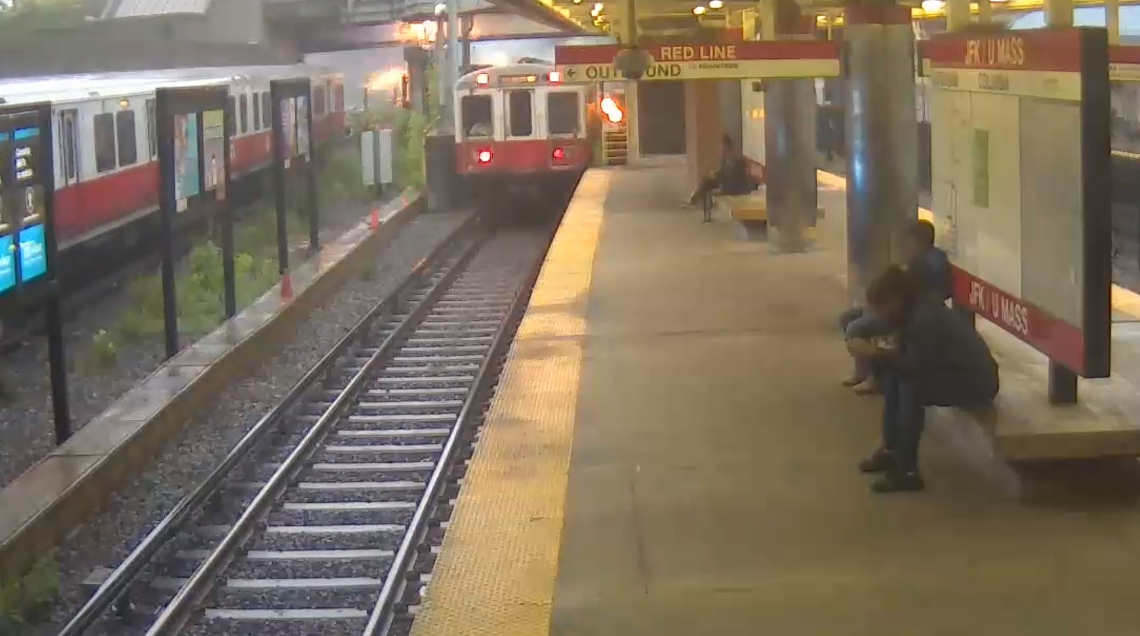 Video showing the June 11 Red Line derailment at J