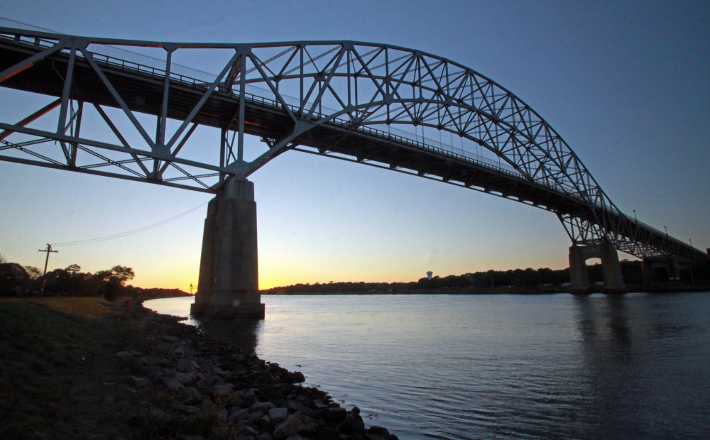 Uncaptioned image for story:Alarm Sounded Over Absence of Canal Bridge Project Funds